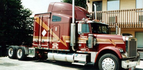 BAGGETT AMT FREIGHTLINER CLASSIC (1)